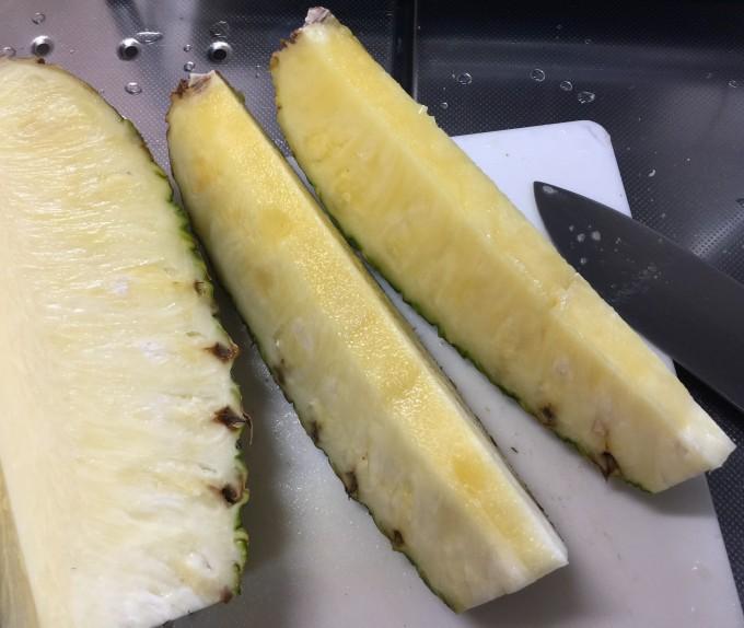 パイナップルの切り方
